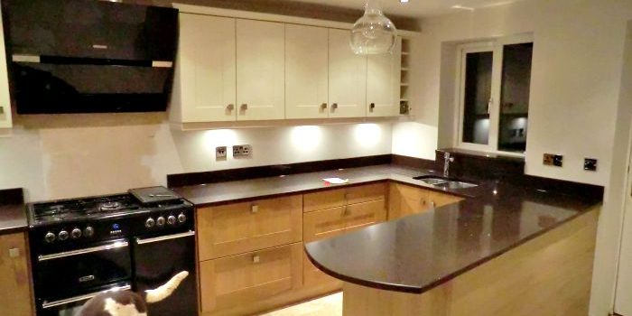 Two Tone Kitchen Colour Light Cream On Wall With Solid Wood On The Base Rf Installations Chesterfield Kitchens